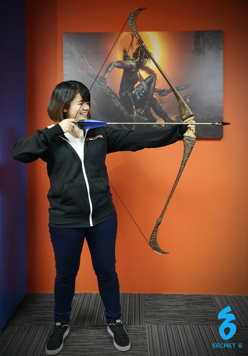 Badette with bow replica from Weta Workshop